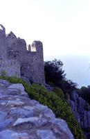 Scorcio visuale delle fortificazioni bizantine poste sulla sommità della Rocca