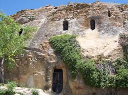Alia - Grotte della Gurfa