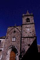 Chiesa romanico-gotica nella Piazza del Popolo