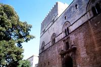 Palazzo Chiaramonte: fronte sulla Piazza Marina