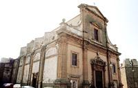 Chiesa di San Michele: veduta prospettica della facciata dalla piazza Noceto