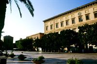 Ex Collegio dei Gesuiti sede del Municipio, dalla piazza Scandalitato