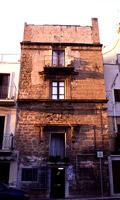 Torre di Pardo: fronte principale sulla via Incisa